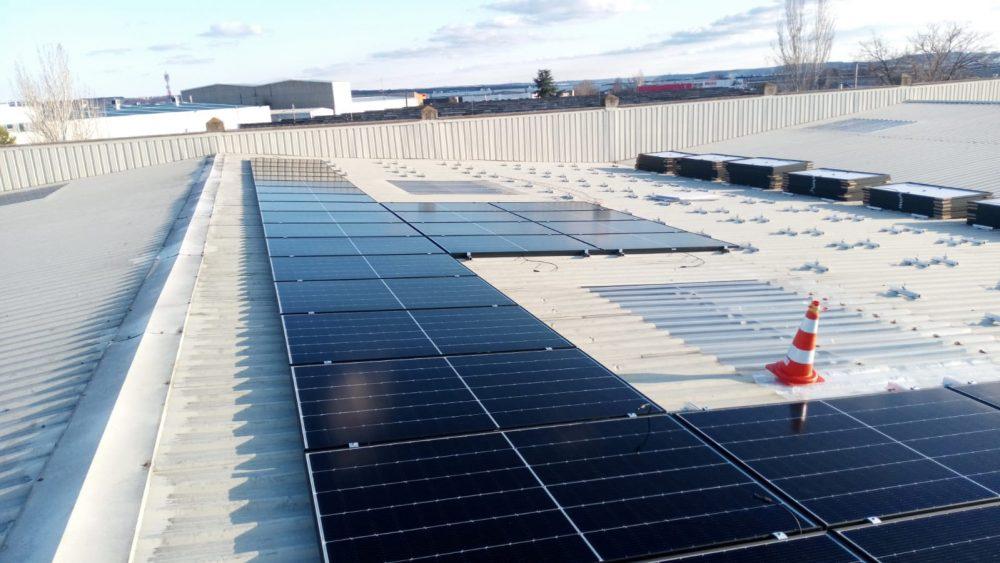 Instalación solar fotovoltaica, nueva medida de apoyo al medio ambiente de Grupo Panorama